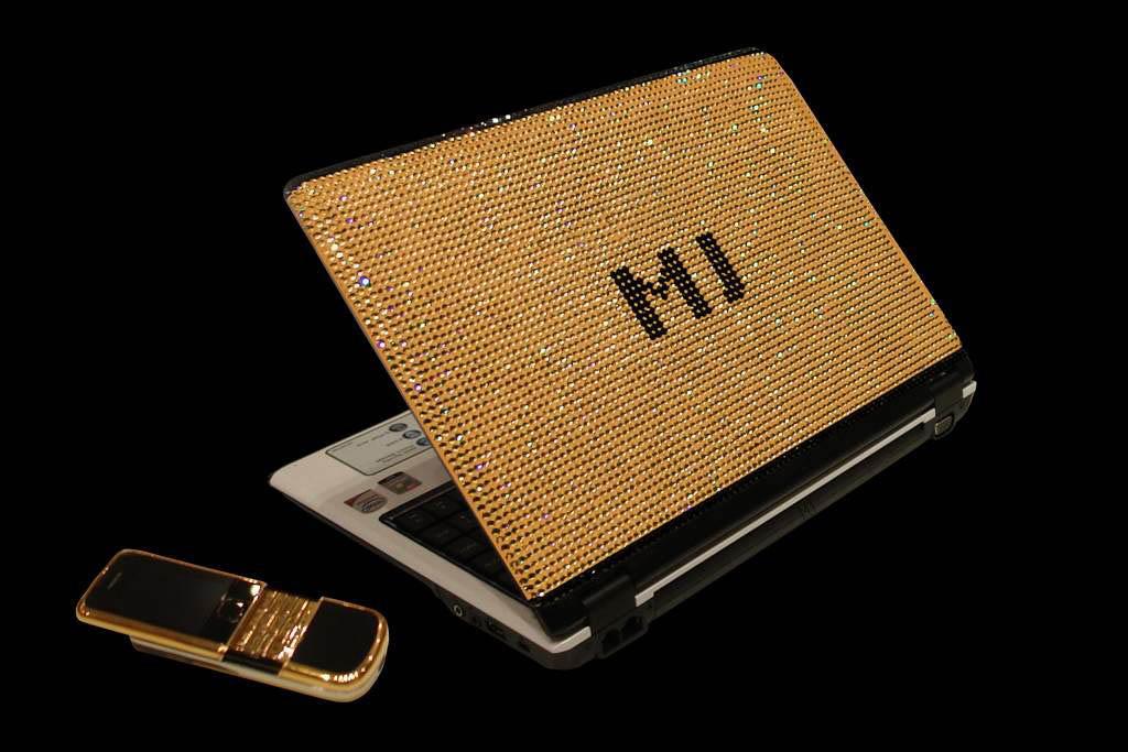 MJ'S Swarovski & Diamond Studded Notebooklà chiếc laptop đắt nhất thế giới